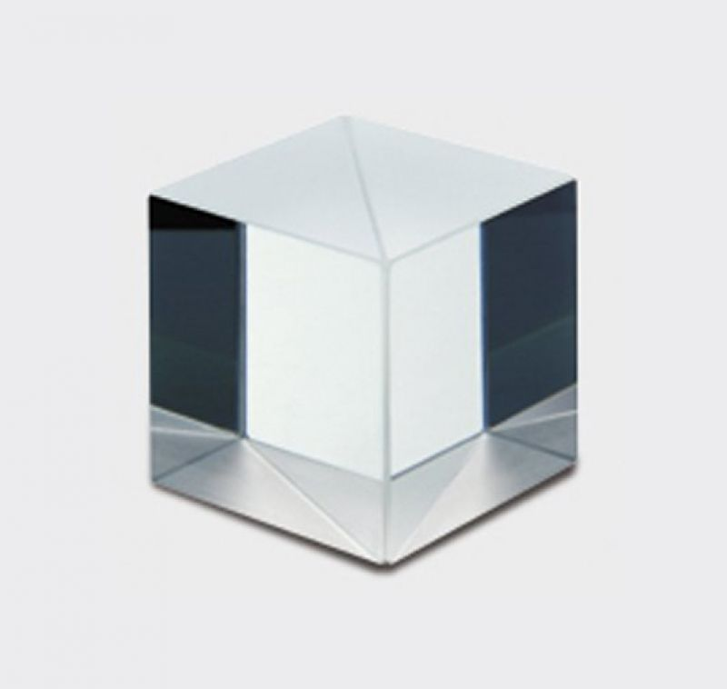 Polarizing beam splitter cube