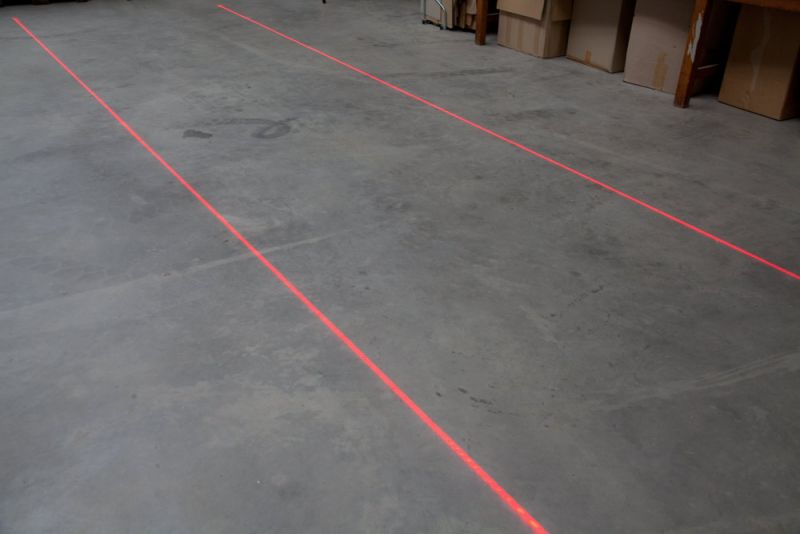 Red walkway markings non abbrasive
