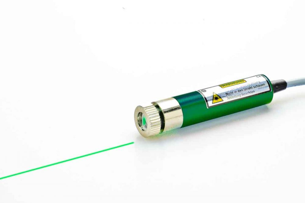Line laser module 10 mW GREEN, 12 - 30 VDC, adjustable focus, insulated